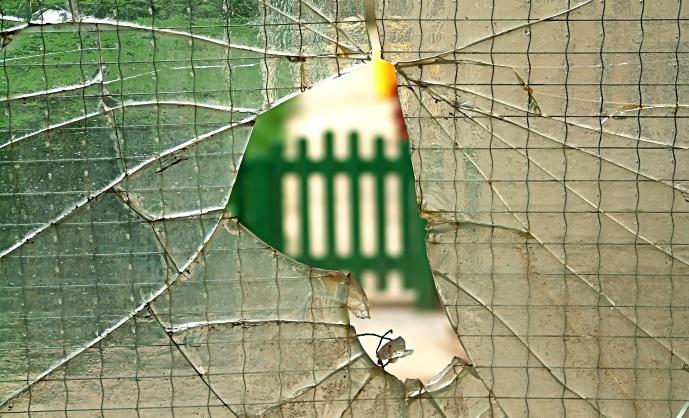 Broken Glass_elma avdagic_Freeimages.com_